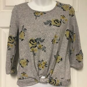 Beautees XL gray knot front top yellow flowers